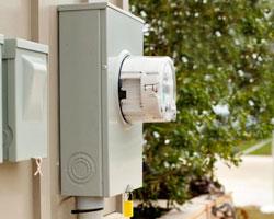 Smart Meters Bring Benefits and Detractors