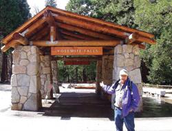 As Falls Yosemite Falls