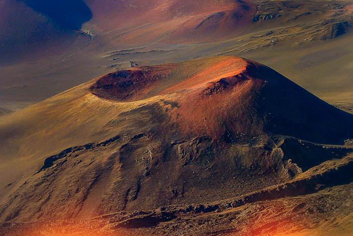 Exploring the Earth's Underbelly at Hawaii Volcanoes National Park, Credit: Stuart Claggett, FlickrCC