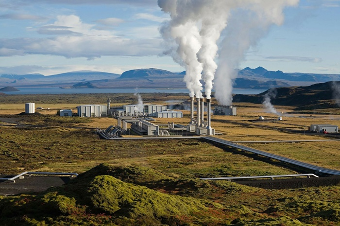 geothermal plant. Credit: WikiImages from Pixabay